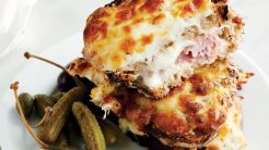 bonappetit_cheesy-croque-monsieur